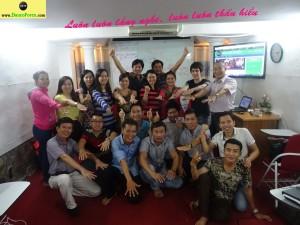 Đại gia đình SKTP, Chúng tôi là một đội nhóm tuyệt vời. Chúng tôi luôn tương tác, hỗ trợ & giúp đỡ tận tình lẫn nhau!!