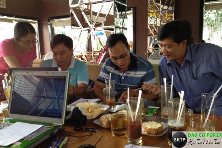 Thực hành đầu tư forex tại quán cafe