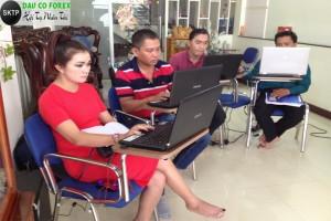 Học forex và luyện forex tại buổi offline
