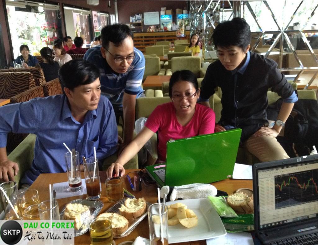 Thực hành theo nhóm để nâng cao tay nghề đầu tư