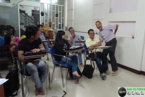 Học và thực hành Forex tại lớp thật thú vị